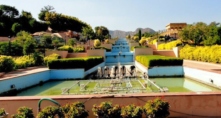 Rajiv Gandhi Park - Resplendent Beauty at the Venice of the East